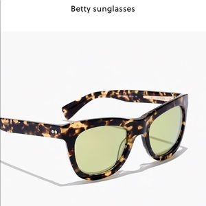 sunglasses by J.Crew BETTY SUNGLASSES Item E3719